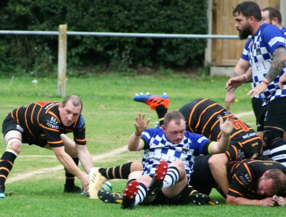 Pythons Miss Opportunities at Knottingley . . .